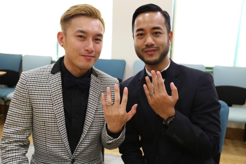 Cặp đôi đồng tính đầu tiên kết hôn tại Việt Nam