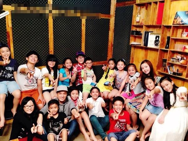 """Các học của Lam Trường cùng tập hợp để """"anh Hai"""" chọn ra những gương mặt trong tập đầu tiên của vòng thi mới"""