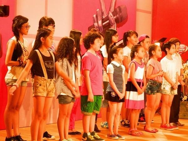 Các bé trong đội của cặp đôi HLV Hồ Hoài Anh và Lưu Hương Giang đã sẵn sàng cho vòng Đối đầu.