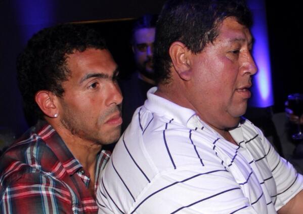 Tevez và cha anh