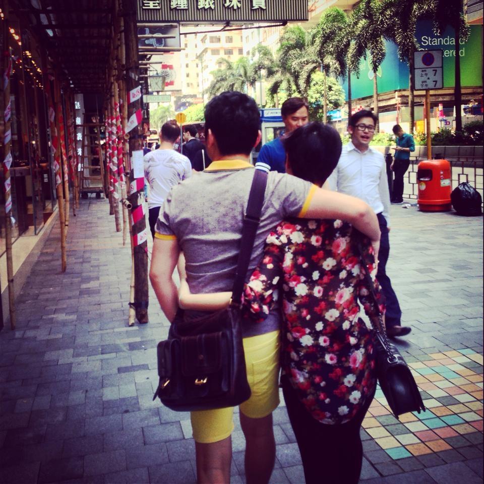 Cặp vợ chồng son vô cùng tình cảm với nhau, chồng Trà My nổi tiếng là một người lãng mạn, rất yêu thương và chiều chuộng Trà My. - Tin sao Viet - Tin tuc sao Viet - Scandal sao Viet - Tin tuc cua Sao - Tin cua Sao