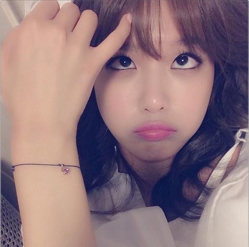 Sooyoung khoe hình tạo dáng cực ngộ nghĩnh