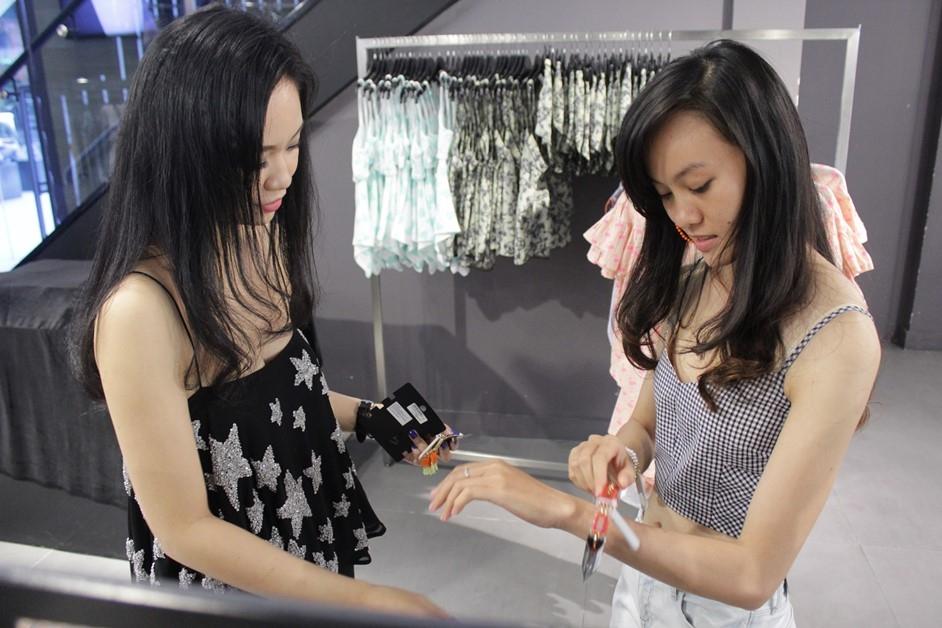 Được chuyên gia thời trang tư vấn từ cách chọn phụ kiện