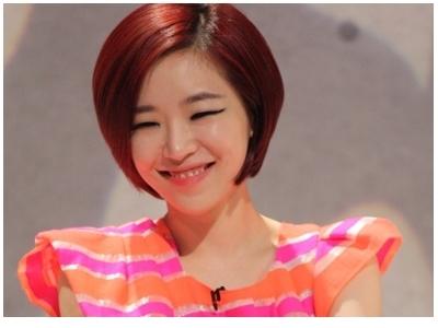 Điểm danh 'nữ hoàng mắt cười' của Kpop