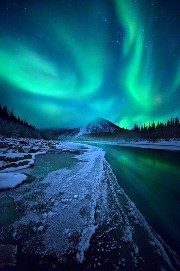 Mãn nhãn với màn trình diễn ánh sáng ngoạn mục của thiên nhiên