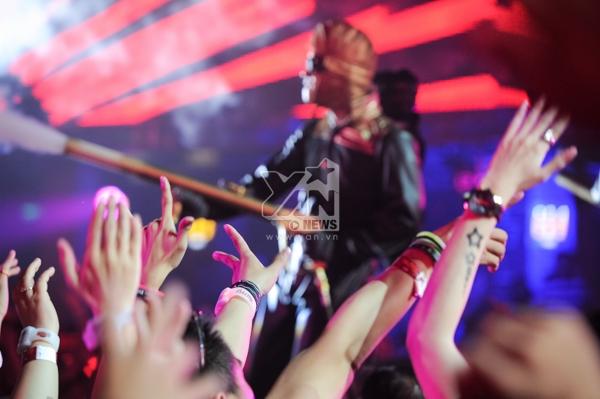 [Trực tiếp] Ngàn người cuồng nhiệt cùng âm nhạc điện tử tại Electric Steam Punk