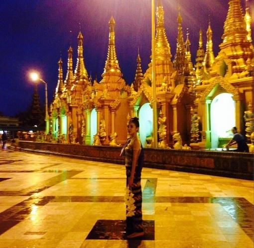 Dara nổi bật giữa khung cảnh tại Myanmar