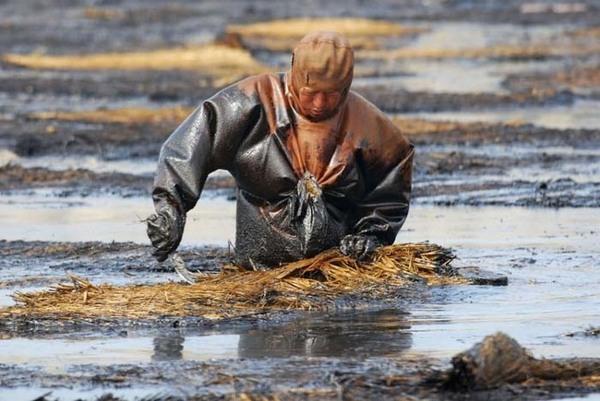Phát hoảng với những nguồn nước cực kì ô nhiễm ở Trung Quốc