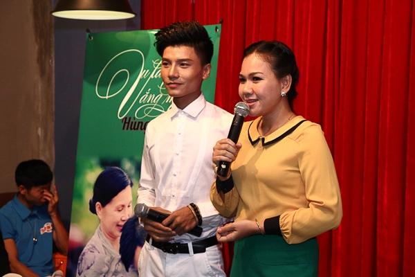 Đặc biệt, trong MV Vu lan vắng mẹ, ca sỹ Hùng Thanh mời nghệ sỹ Kim Xuân quay trong 3 ngày 3 đêm.