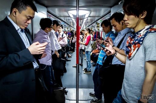 Chứng nghiện smartphone đã có tên gọi quốc tế chính thức