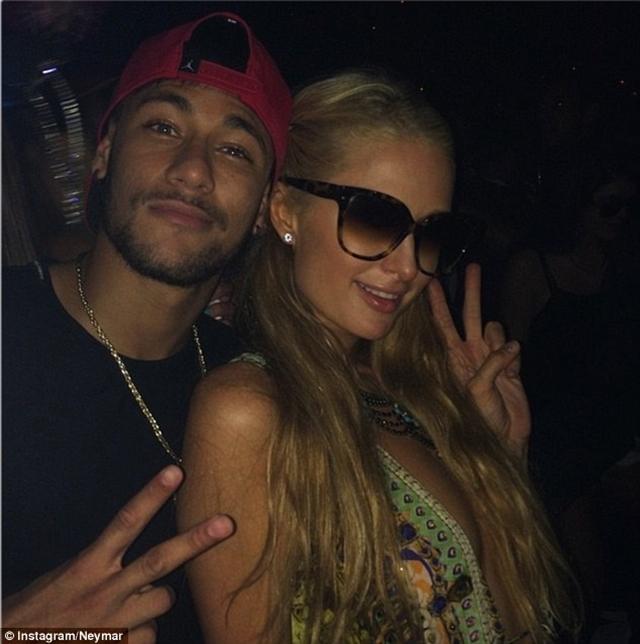 Neymar bị bắt gặp cặp kè với Paris Hilton