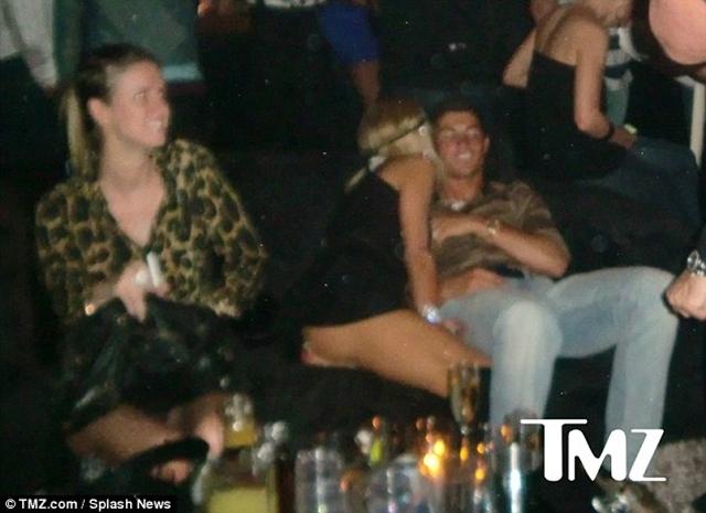 Paris Hilton từng cặp kè với Cristiano Ronaldo