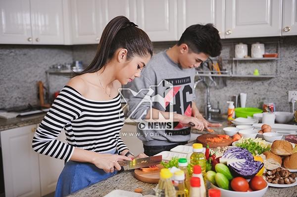 """Will (365): """"Phương Linh rất… nam tính khi vào bếp"""""""