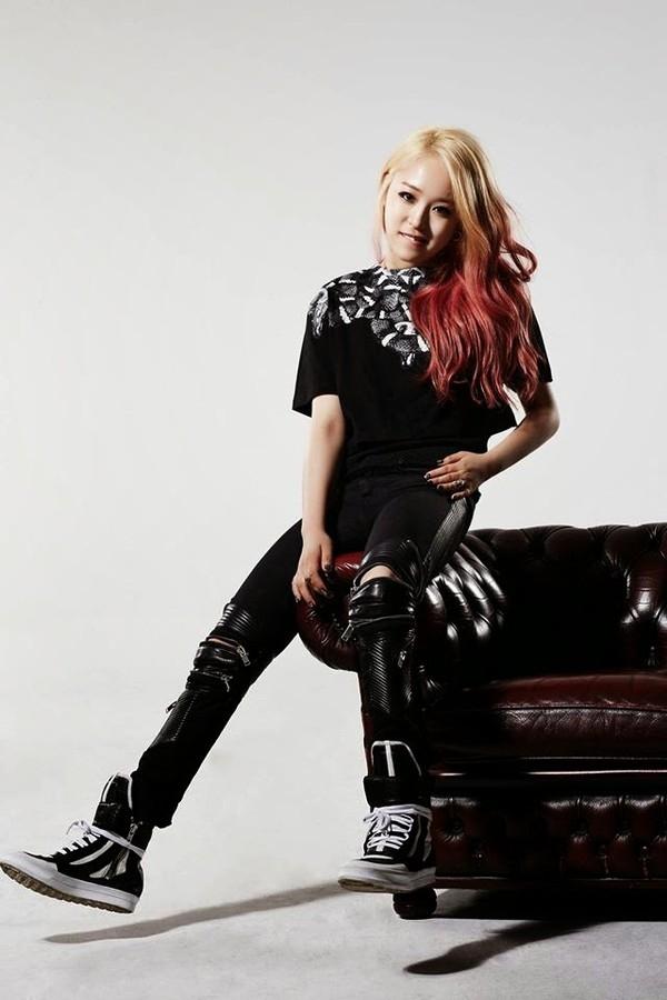 "Nữ rapper Kemy - người ""dũng cảm"" đá đểu Park Bom"