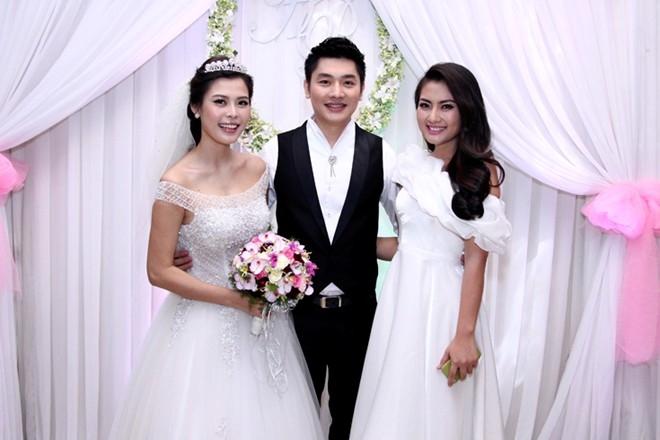 Trấn Thành nhí nhảnh tới dự đám cưới MC Tuấn Anh