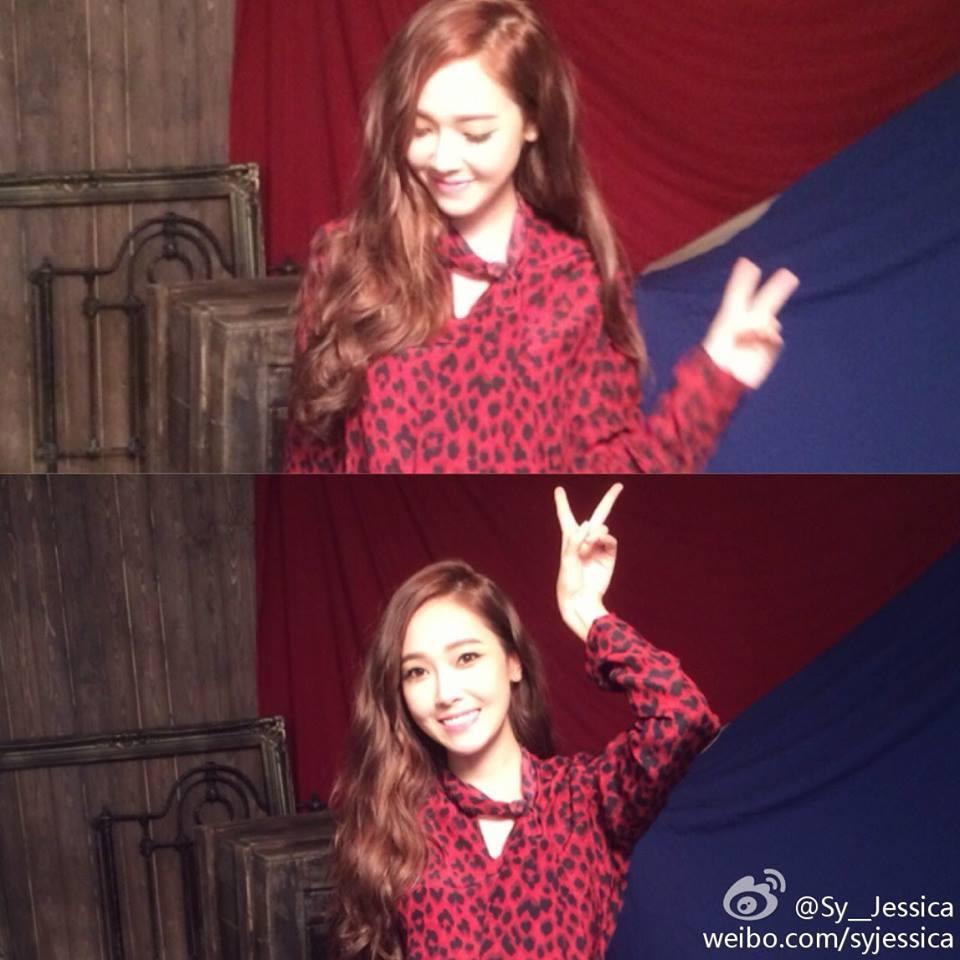 Jessica khoe hình đang bận rộn chụp hình tại Hong Kong cực xinh