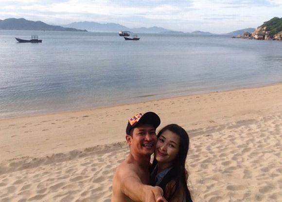 Vợ chồng Huy Khánh