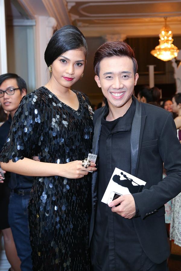 Đứng cạnh Trương Thị May, Trấn Thành lộ chiều cao khiêm tốn - Tin sao Viet - Tin tuc sao Viet - Scandal sao Viet - Tin tuc cua Sao - Tin cua Sao