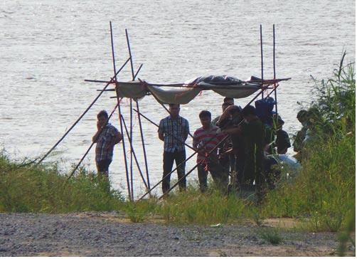 Bến đò Vân Đức, nơi phát hiện thi thể người giống chị Huyền.
