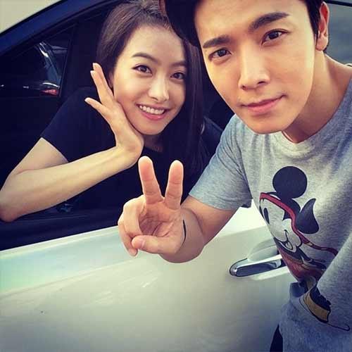 Donghae khoe hình cực dễ thương cùng Victoria