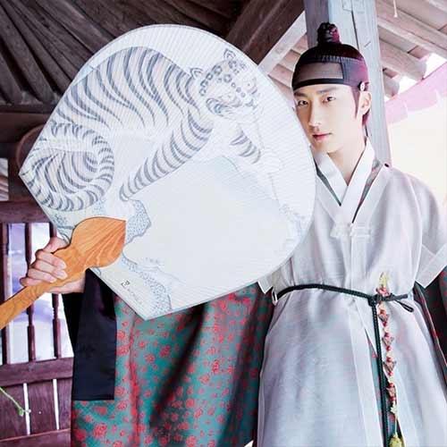 Jung Il Woo khoe tạo hình vai diễn mới trong phimThe Night Watchman′s Journal của đài MBC