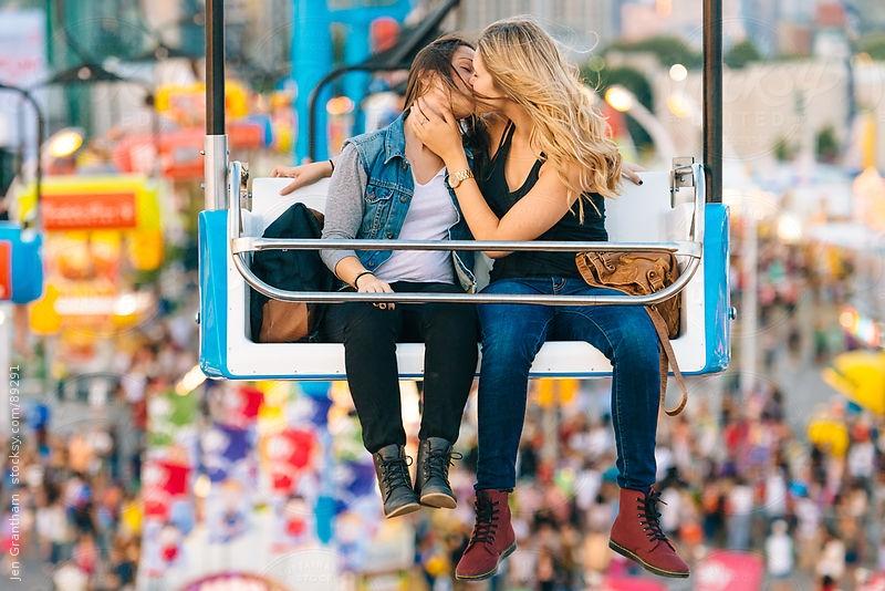 """Bộ ảnh cặp đôi đồng tính siêu đáng yêu """"đốn tim"""" cư dân mạng"""