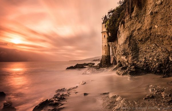Ngọn hải đăng Victoria được xây dựng từ năm 1926 tại California, Hoa Kỳ
