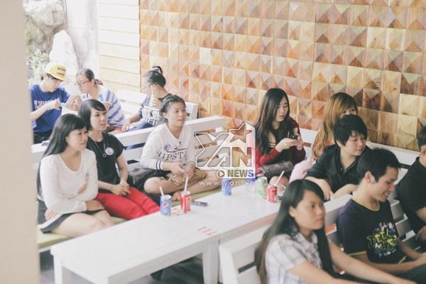 Kay Trần cùng các hot girls khuấy động buổi offline game Touch