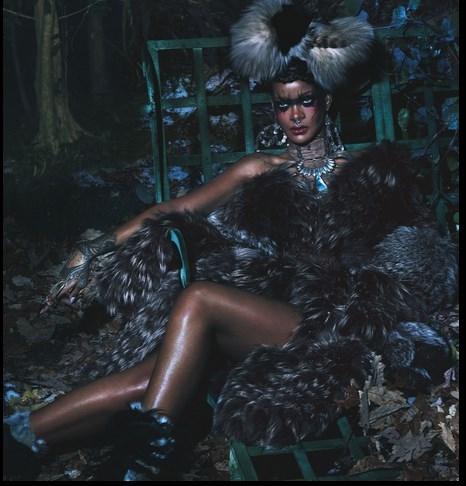 Ngắm Rihanna hoang dã trong bộ ảnh thời trang mới