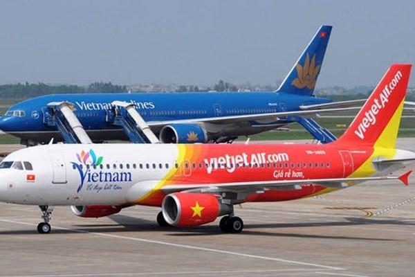 2 máy bay Việt Nam suýt đâm nhau trên không