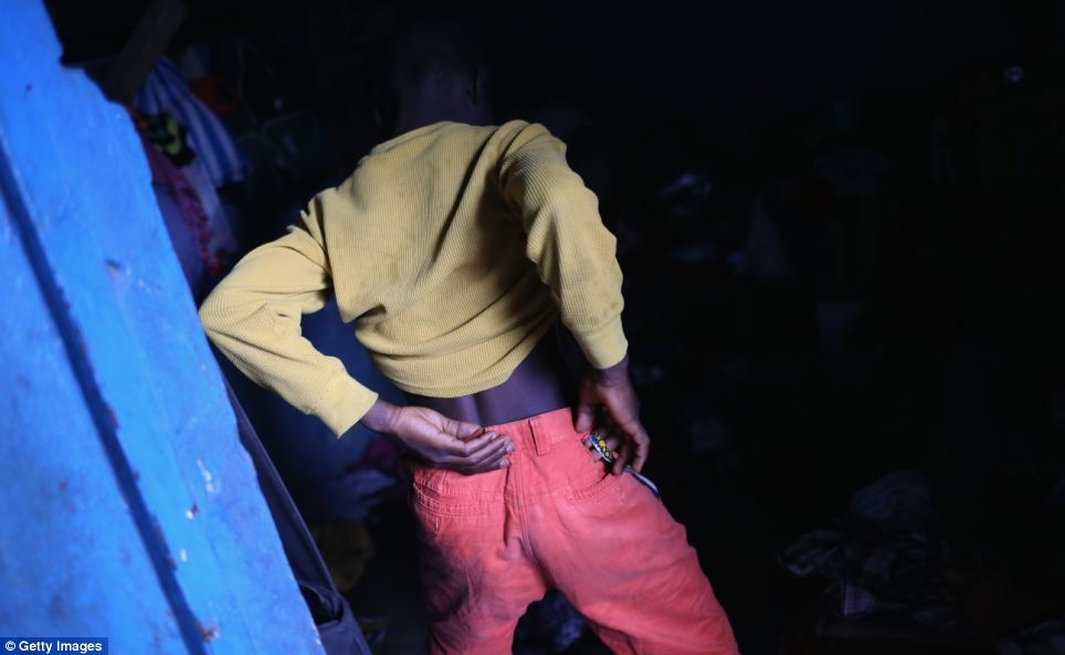 """Những hình ảnh ghi được từ """"tâm bão"""" đại dịch Ebola"""