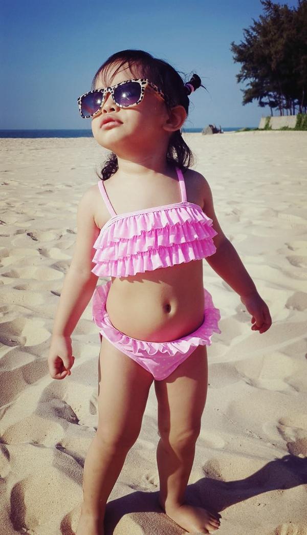 Công chúa nhà Quang Huy - Phạm Quỳnh Anh sành điệu khi đi biển - Tin sao Viet - Tin tuc sao Viet - Scandal sao Viet - Tin tuc cua Sao - Tin cua Sao