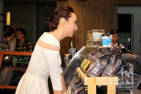 Hoa hậu Ngọc Diễm háo hức chờ đón mỹ nam Lee Jong Suk đến Việt Nam - Tin sao Viet - Tin tuc sao Viet - Scandal sao Viet - Tin tuc cua Sao - Tin cua Sao