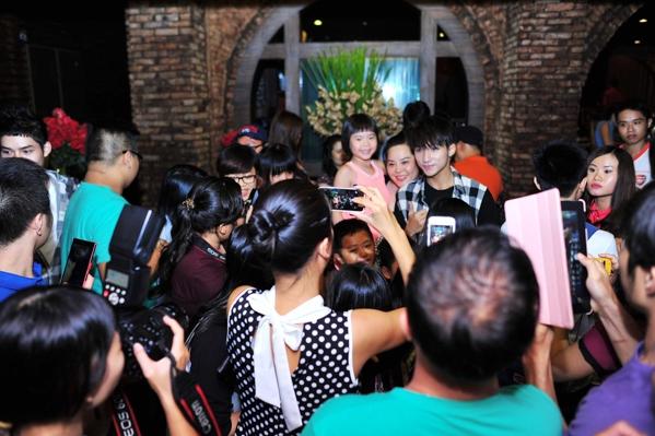 Sơn Tùng khoe fanpage cán mốc 4 triệu người theo dõi - Tin sao Viet - Tin tuc sao Viet - Scandal sao Viet - Tin tuc cua Sao - Tin cua Sao