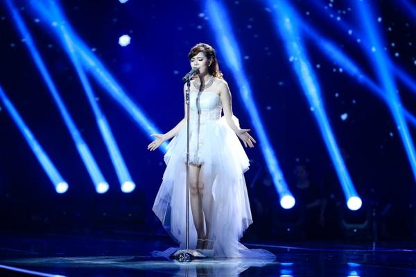 Với màn trình diễn xuất sắc của mình, Uyên Nguyên đã nhận được nhiều tình cảm từ phía giám khảo Hồ Ngọc Hà.