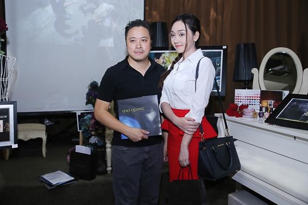 Đinh Ngọc Diệp lần đầu phát hành sách ảnh để làm từ thiện - Tin sao Viet - Tin tuc sao Viet - Scandal sao Viet - Tin tuc cua Sao - Tin cua Sao