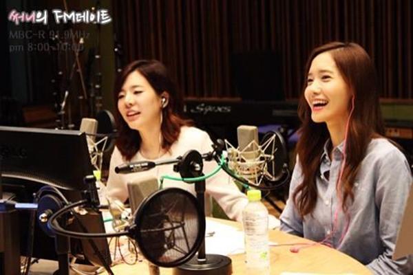 Sunny và TaeTiSeo đùa giỡn cực đáng yêu trên radio