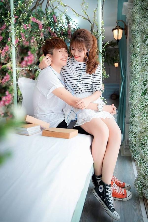 Luôn lên tiếng từ chối mối quan hệ trên mức bình thường giữa cả hai, thế nhưng khi nhìn vào những hình ảnh cực tình cảm và mùi mẫn thế này của Khởi My và Kelvin Khánh, các fan có quyền hi vọng vào một chuyện tình chị em cực lãng mạn như phim Hàn Quốc.