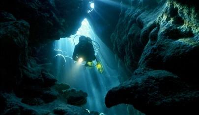 Những miệng hố và hang động kì lạ trên thế giới (Phần 2)
