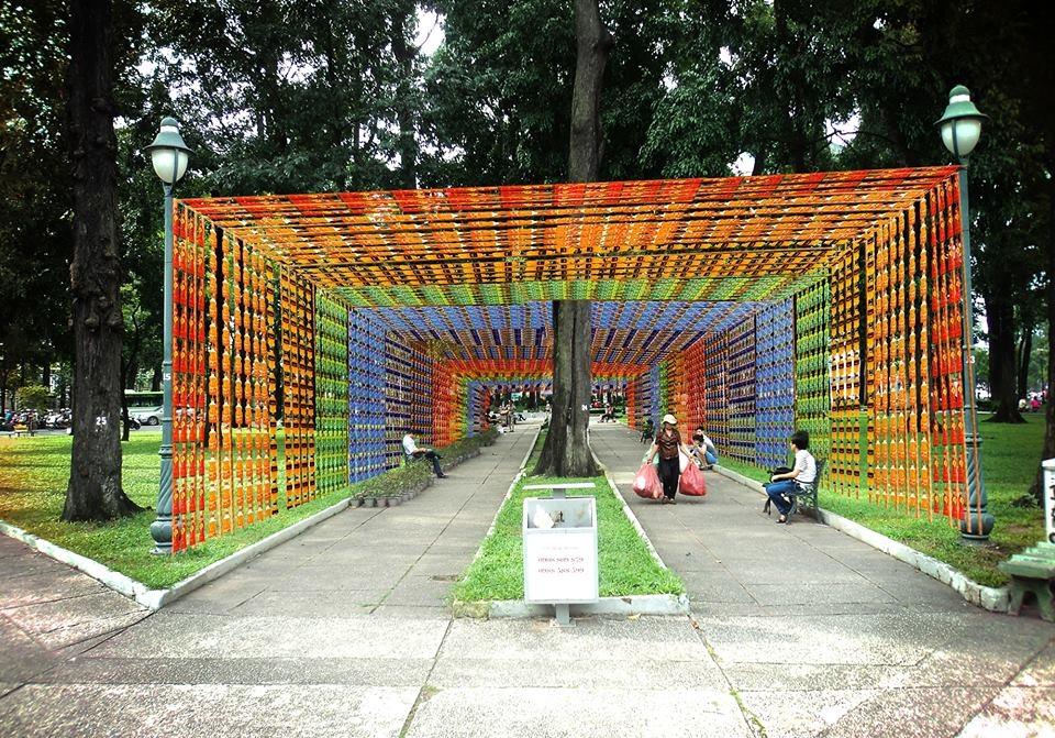 Tác phẩm của bạnNguyễn Trung Túc dựa trên ý tưởng bảo vệ môi trường, tái sử dụng chai nhựa