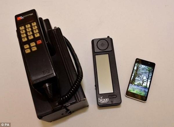 Smartphone đầu tiên trên thế giới tròn 20 tuổi