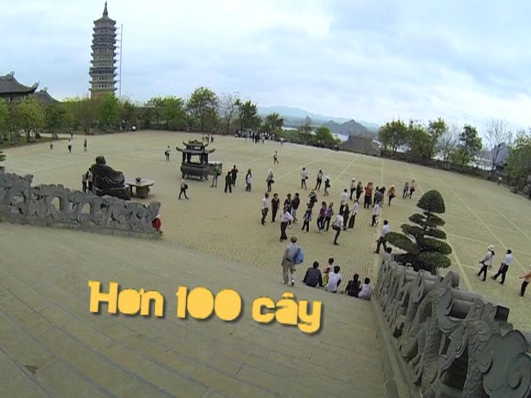 [YAN AROUND] Bảo Kỳ và Thùy Trang khám 10 kỷ lục của Chùa Bái Đính