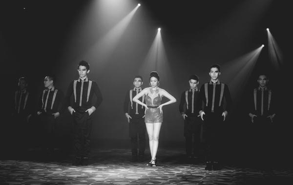 """Pha Lê chia sẻ, thông qua MV """"Bán"""" cô muốn phản ánh về cuộc sống hiện nay đã khiến con người ta trở nên quá thực tế và phũ phàng."""