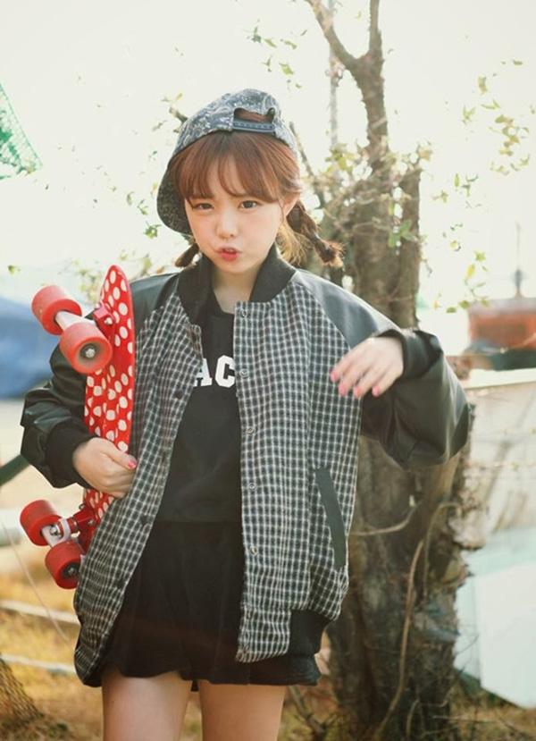 """""""Hạt tiêu"""" 1m46 mặc đẹp nổi tiếng giới hot girl Hàn"""