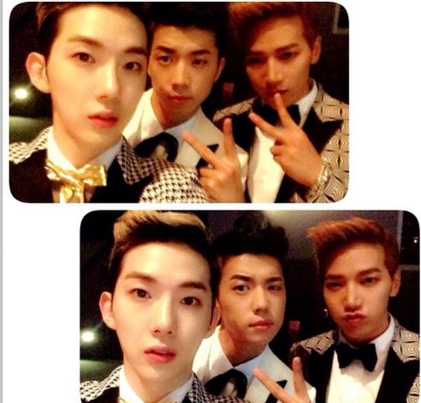 Jokwon tạo dáng cùng Wooyoung và Jun.K trong hậu trường chương trình JYP Nation