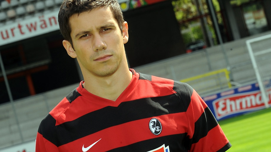 Top 10 cầu thủ bóng đá quyến rũ nhất năm 2014