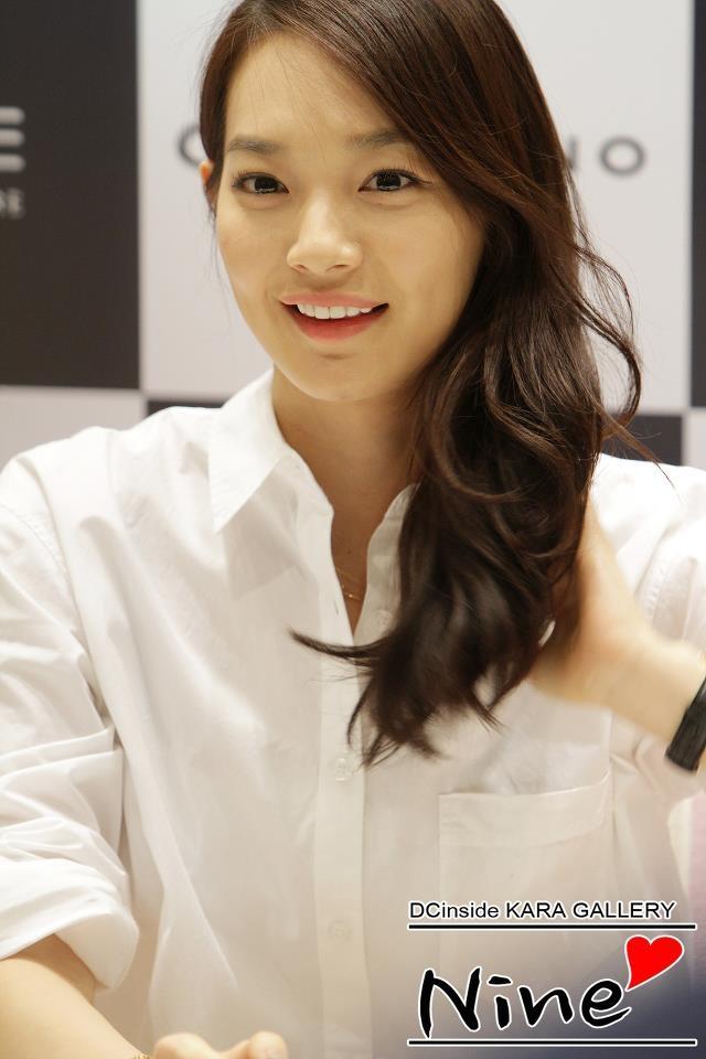 Shin Min Ah hát lại hit của Taeyeon trong phim mới