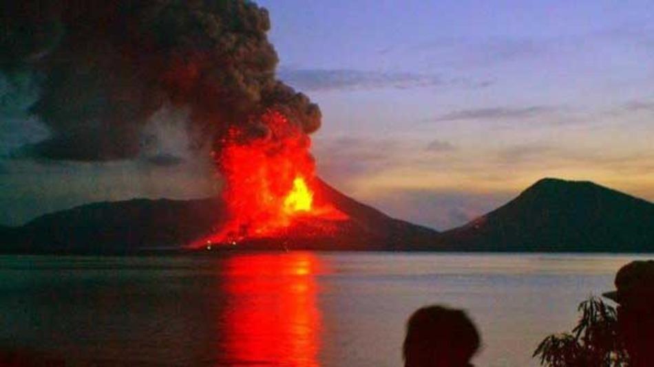 Núi lửa phun trào ở Papua New Guinea