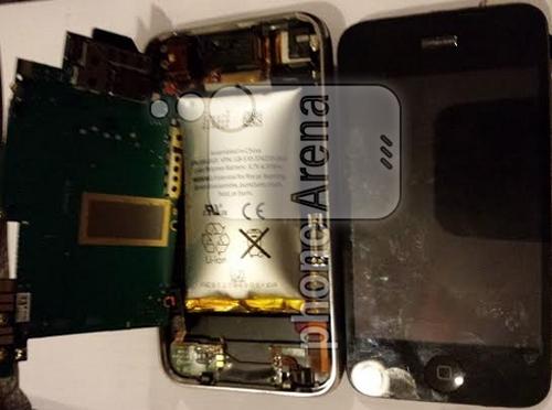 Pin phồng rộp làm nứt chiếc iPhone