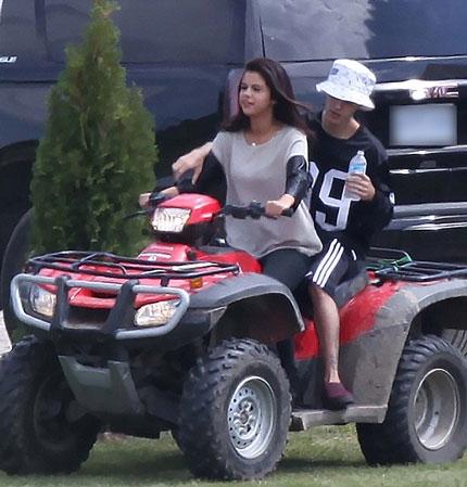 Selena và Justin Bieber bị bắt gặp đi cùng nhau vào ngày 2/9 vừa qua.